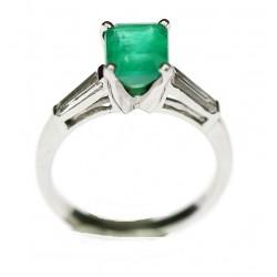 Platinum ring with emerald...
