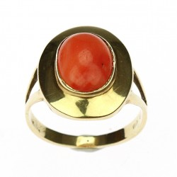 Gold ring with coral