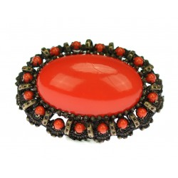 Brooch with imitation of...
