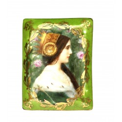 Small porcelain box
