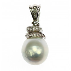 Gold pendant with pearl and...