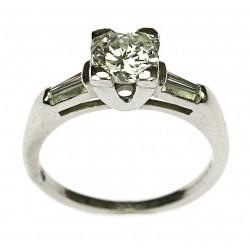 Platinový prsten s diamanty...