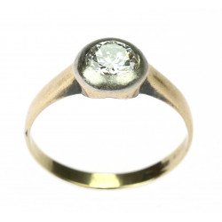 Gold ring with old cut diamond