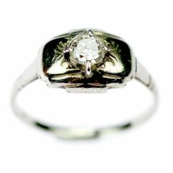 Zlatý prsten s diamantem