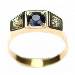 Zlatý prsten s diamanty a syntetickým safírem