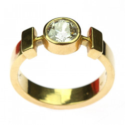 Gold men's round cut diamond ring