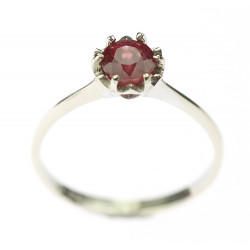 Zlatý prsten s rubínem