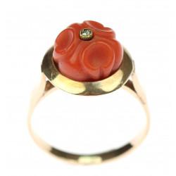 Zlatý prsten s mořským korálem