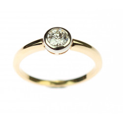 Gold ring with antique diamond