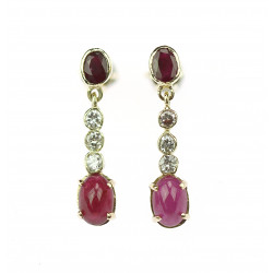 Gold earrings with rubies...