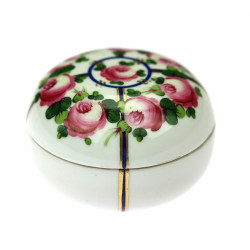 Porcelain jar with roses