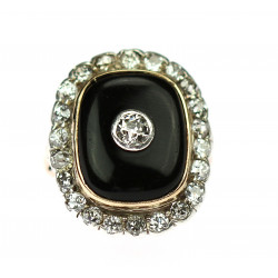 Gold ring with onyx and...