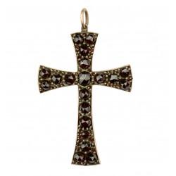 Kříž zdobený českými granáty