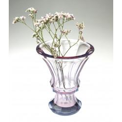 Váza z alexandritového skla