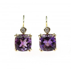 Gold earrings with amethysts