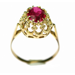 Gold ring with synthetic ruby