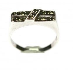 Stříbrný prsten s markazity