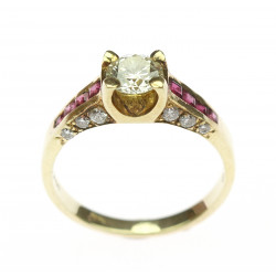 Gold ring with diamonds and...