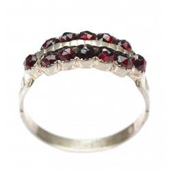 Prsten s českým granátem