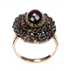 Prsten s českými granáty
