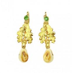 Gold hunting earrings