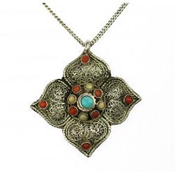 Stříbrný náhrdelník s...