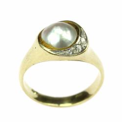 Zlatý prsten s půl perlou a...