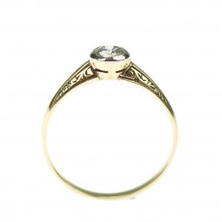 Art Nouveau gold ring with...