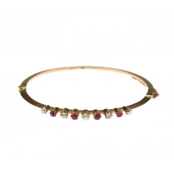 Gold bracelet with diamonds...