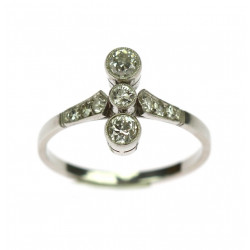 Platinum ring with old cut...
