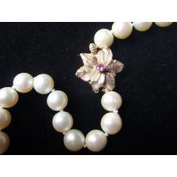 Náhrdelník z bílých perel