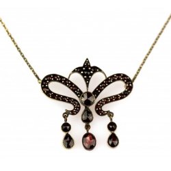 Art Nouveau Czech garnet necklace