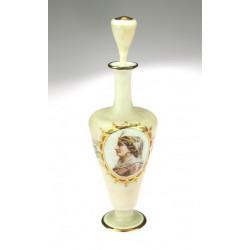 Karafa z kostního skla