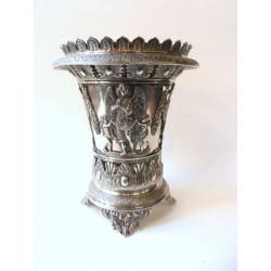 Stříbrný pohárek