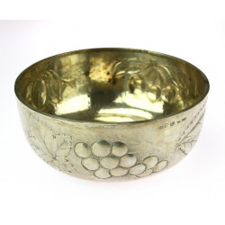 Stříbrná miska na ovoce