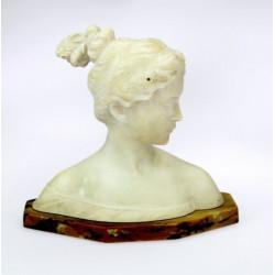 Alabastrová busta