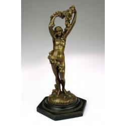 Bronz  - secesní socha dívky