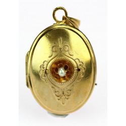 Zlatý medailonek s perličkou