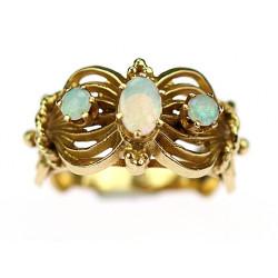 Zlatý prsten s opály