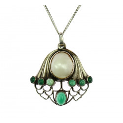 Art nouveau pendant with chain