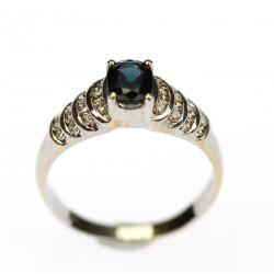 Zlatý prsten se safírem a...
