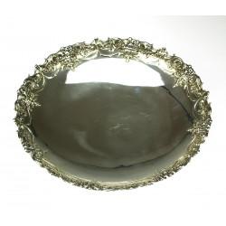 Stříbrný dekorativní talíř