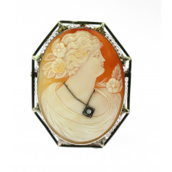 Gold cameo brooch / pendant
