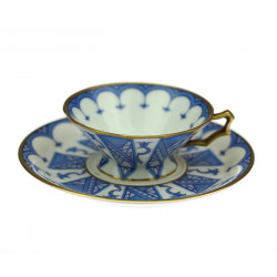 Porcelain cup and saucer -...