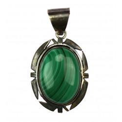 Silver pendant with malachite