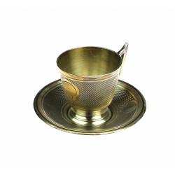 Kovový šálek s podšálkem