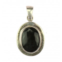 Silver pendant with onyx