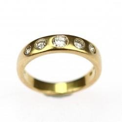 Zlatý prsten s brilianty