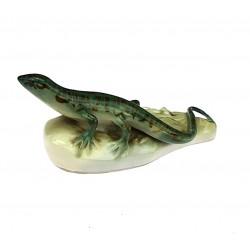 Statue of lizard