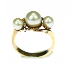 Zlatý prsten s perlami